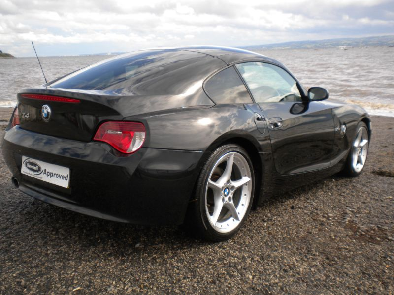 Which Z4 Coupe Is Beat Colour Blue Or Black