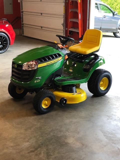 Name:  John Deere E120 Lawn Tractor Pic 2.jpg Views: 213 Size:  93.9 KB